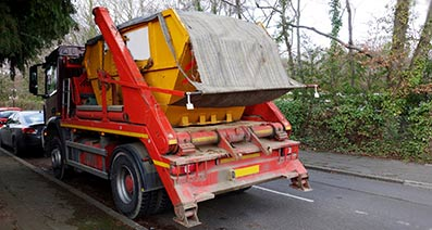 Delivery and collection of skips in Camberley, Farnborough, Wokingham, Aldershot and Fleet.